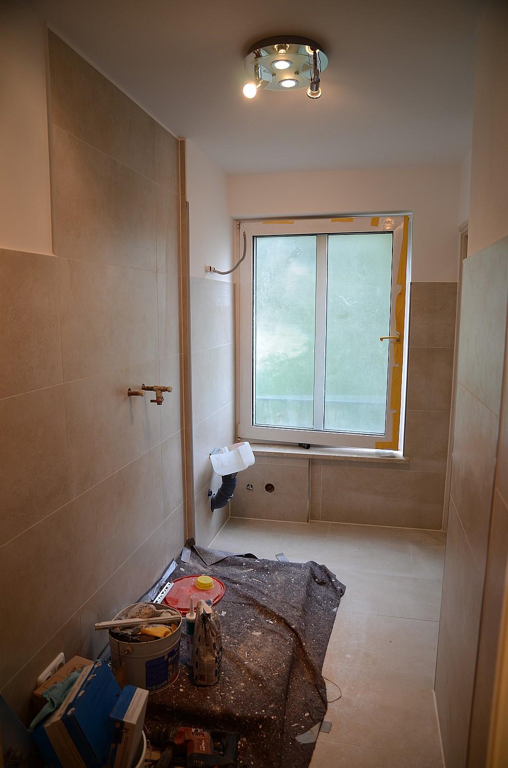 ebauplan m nchen badrenovierung im herzen von m nchen schritt f r schritt vom alten 80er jahre. Black Bedroom Furniture Sets. Home Design Ideas